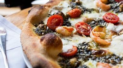 طرز تهیه پیتزا میگو با سس مخصوص